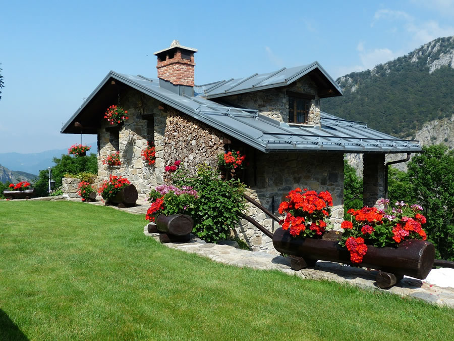 House Barbara
